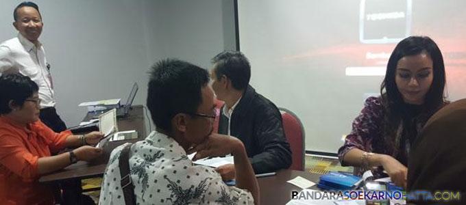 Para pengusa kecil di Kota dan Kabupaten Tangerang mendapat pinjaman modal usaha dari PT Angkasa Pura II - tangerangnews.com
