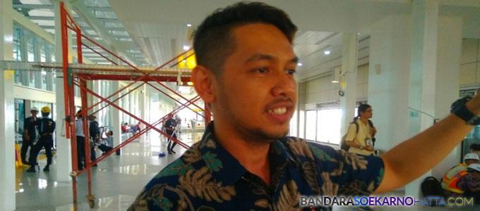 Yado Yarismano, Public Relation Manager PT AP II - deladeni.com