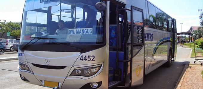 Pelayanan Bus Damri di Bandara Soetta - transportasi.co