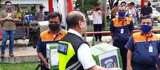 Komunitas Bandara Soekarno-Hatta (Kombata) mengadakan acara bakti sosial - www.liputan6.com