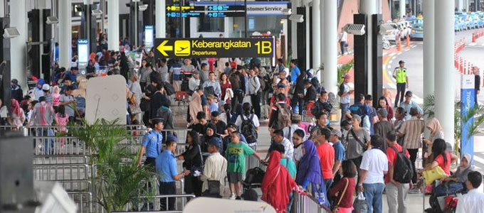Penumpang di Bandara Soekarno-Hatta Mulai Melonjak - www.merdeka.com